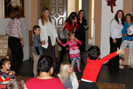Photos Slide Holiday Events
