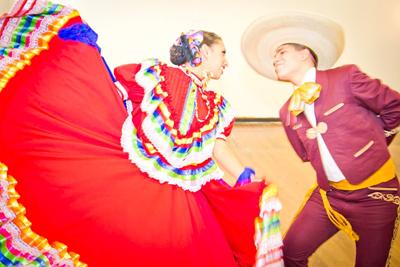Folkloric Dancers 4