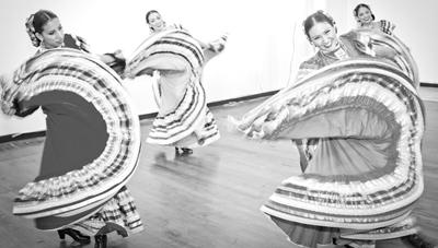 Folkloric Dancers 5